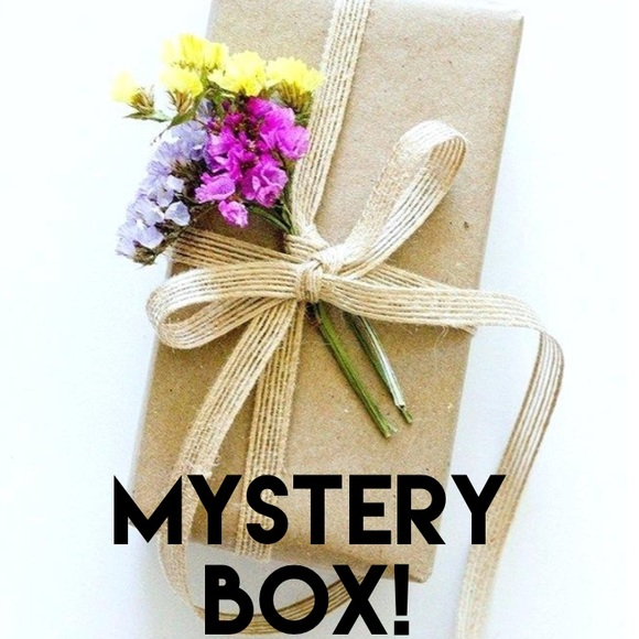 1a8230e858393 FLASH SALE🌸 LIMITED! SPRING MYSTERY BOX 🌸